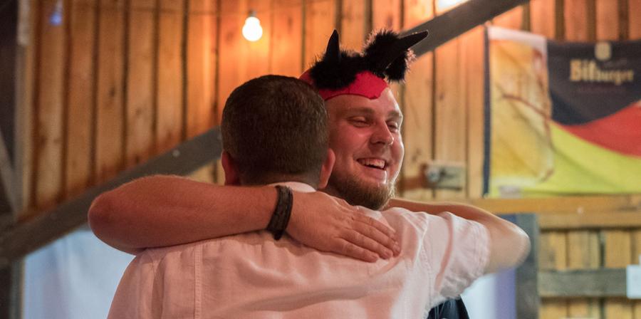 Sommerfest endet mit einem Packt mit dem Teufel!